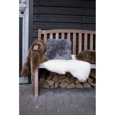 vacht schaap IJsland wit 110cm geschoren sfeer