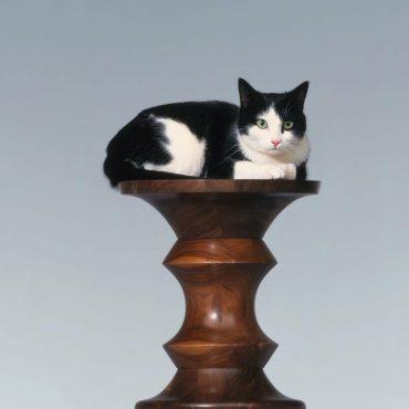 vitra-stools-model-c-bijzettafel